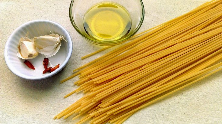 10分でできるパスタ簡単レシピ「ペペロンチーノ」本場アーリオ・オーリオ・ぺぺロンチーノの作り方はもっと簡単だった!