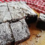 簡単ブラウニーの作り方!初心者でも失敗しない美味しいチョコレートケーキ!