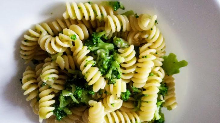 【旬の野菜の美味しい簡単パスタレシピ】15分でできるブロッコリーパスタと基本の材料