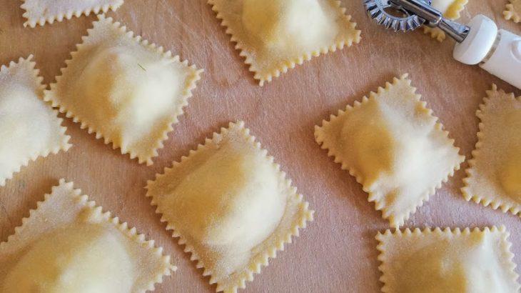 ラビオリはイタリアの人気な詰め物パスタ!簡単なリコッタ入りの作り方